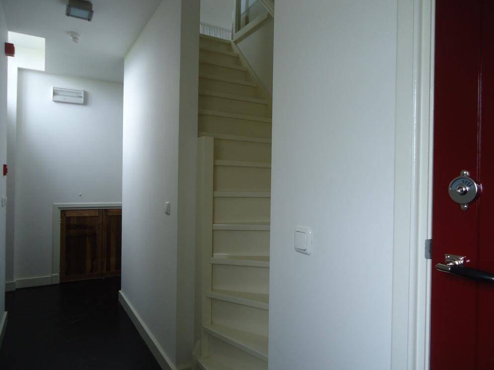 Trap naar de bovenverdieping, Buthus